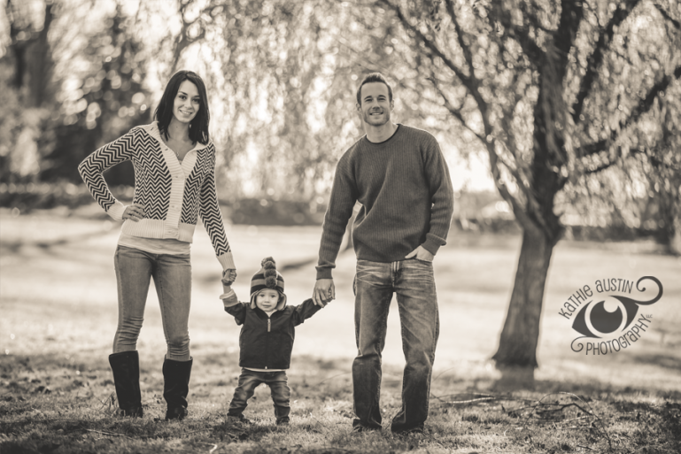 Family portrait photography by www.KathieAustinPhotography.com